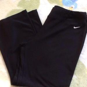 Nike Capri
